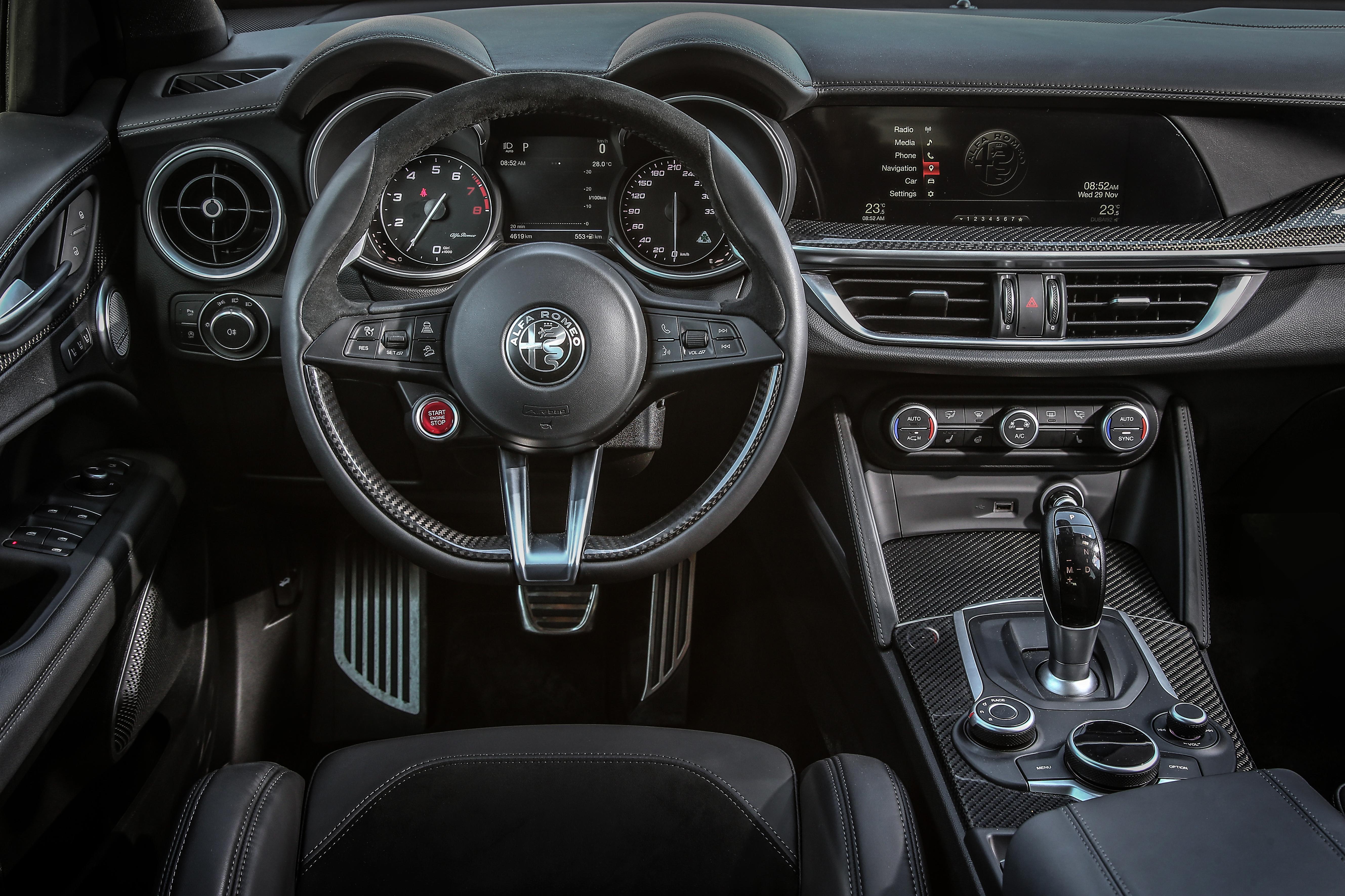 Alfa-Romeo Stelvio Quadrifoglio Interior