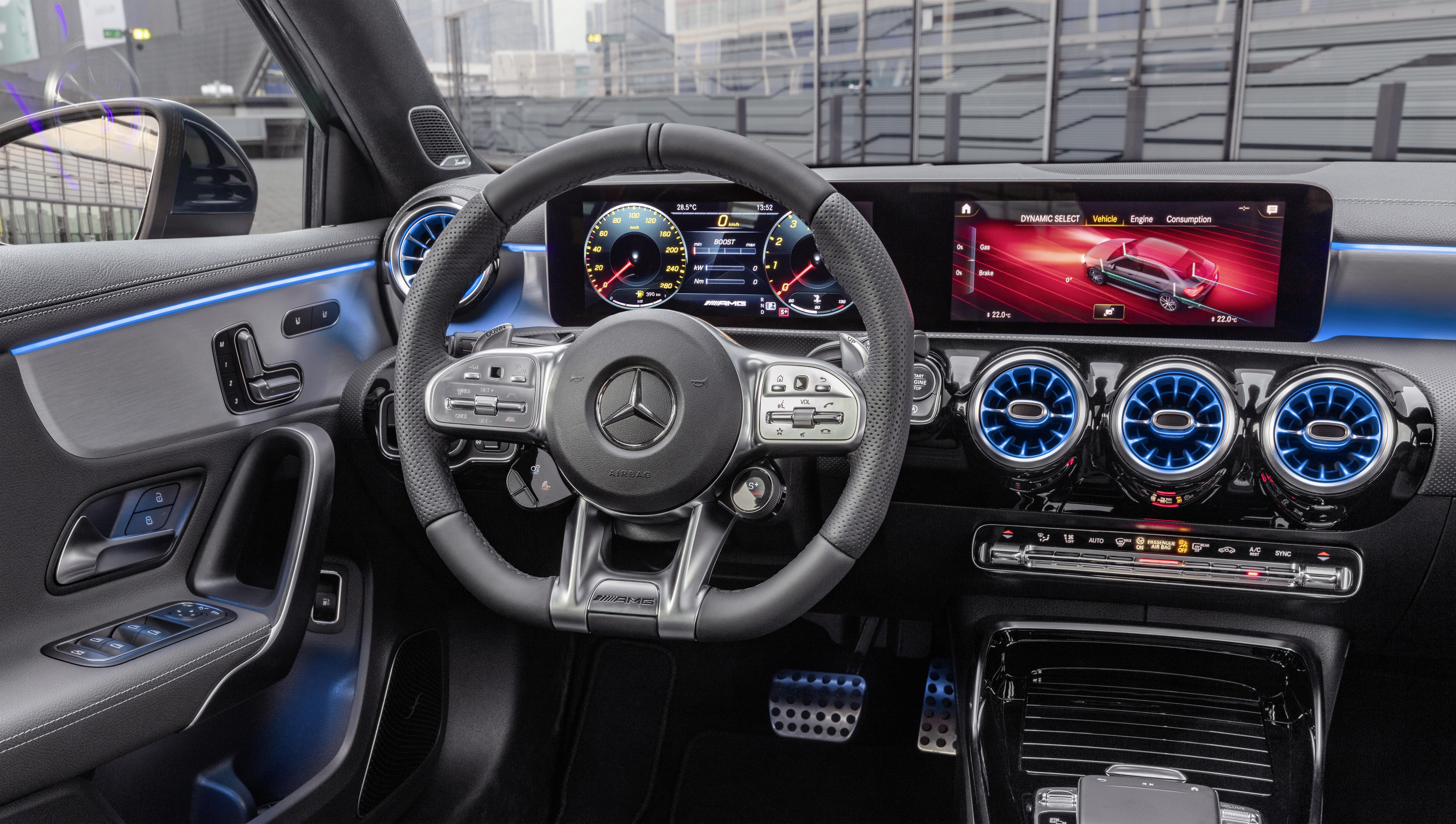 Mercedes-AMG A 35 4MATIC Interior