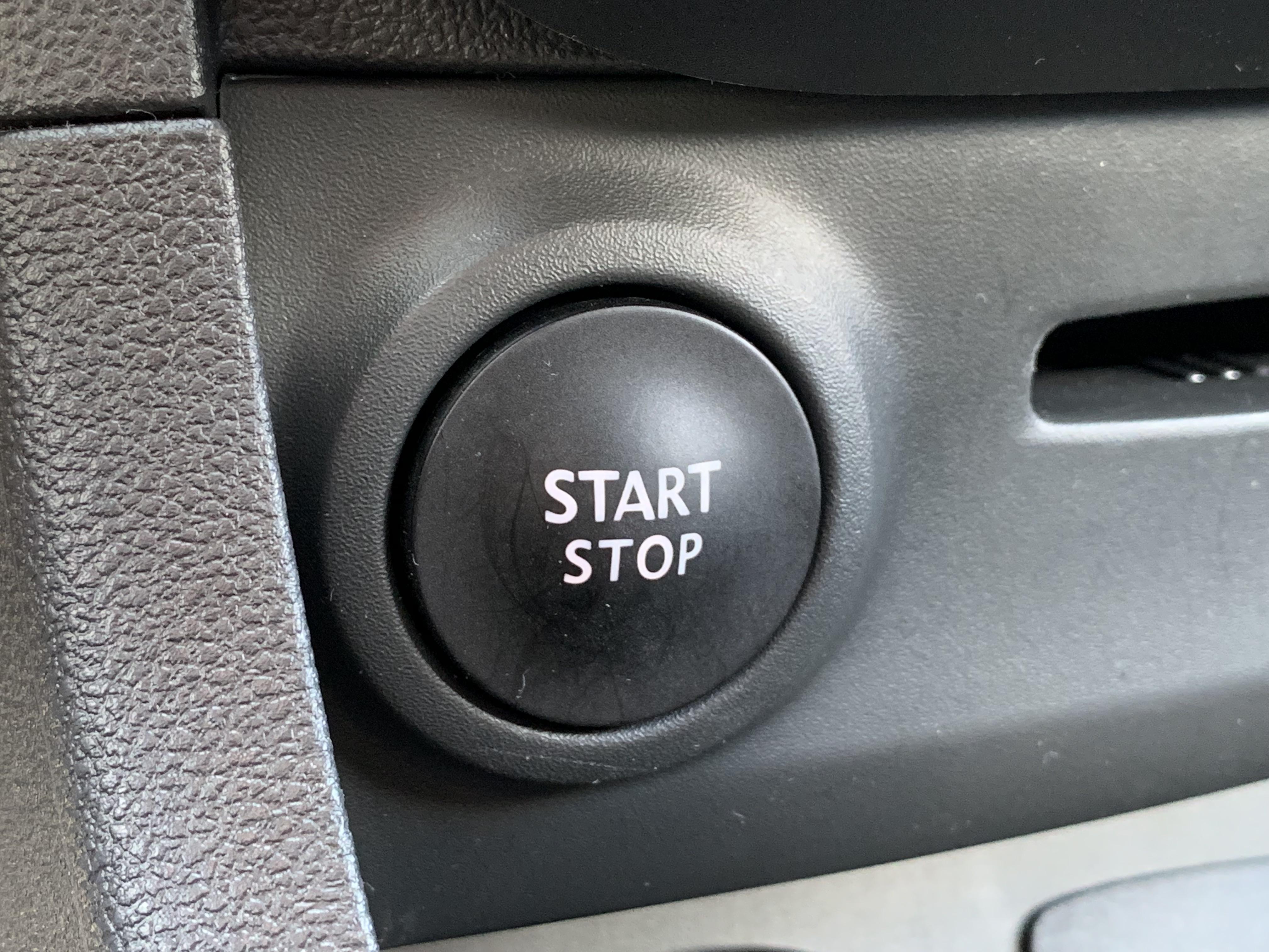 Renault Clio Sporter Moschino Intens