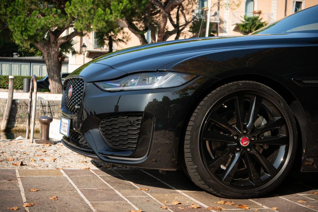 Prova Jaguar XE P250 SE R-Dynamic 2019