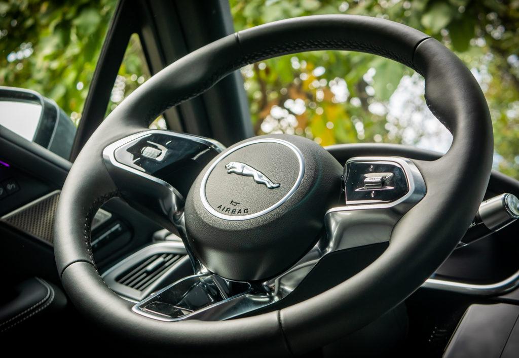 Jaguar I-PACE HSE MY19: volante