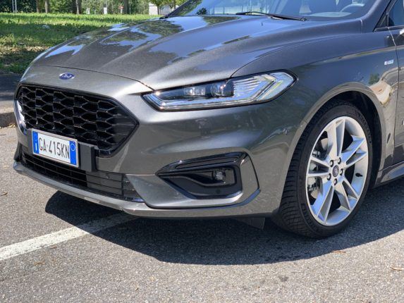 Ford Mondeo 2.0 Hybrid ST Line