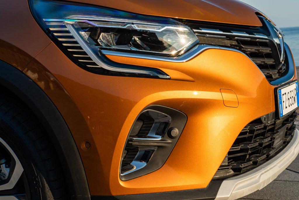 Renault Captur 1.5 Blue dCi EDC Intens - Fari anteriori