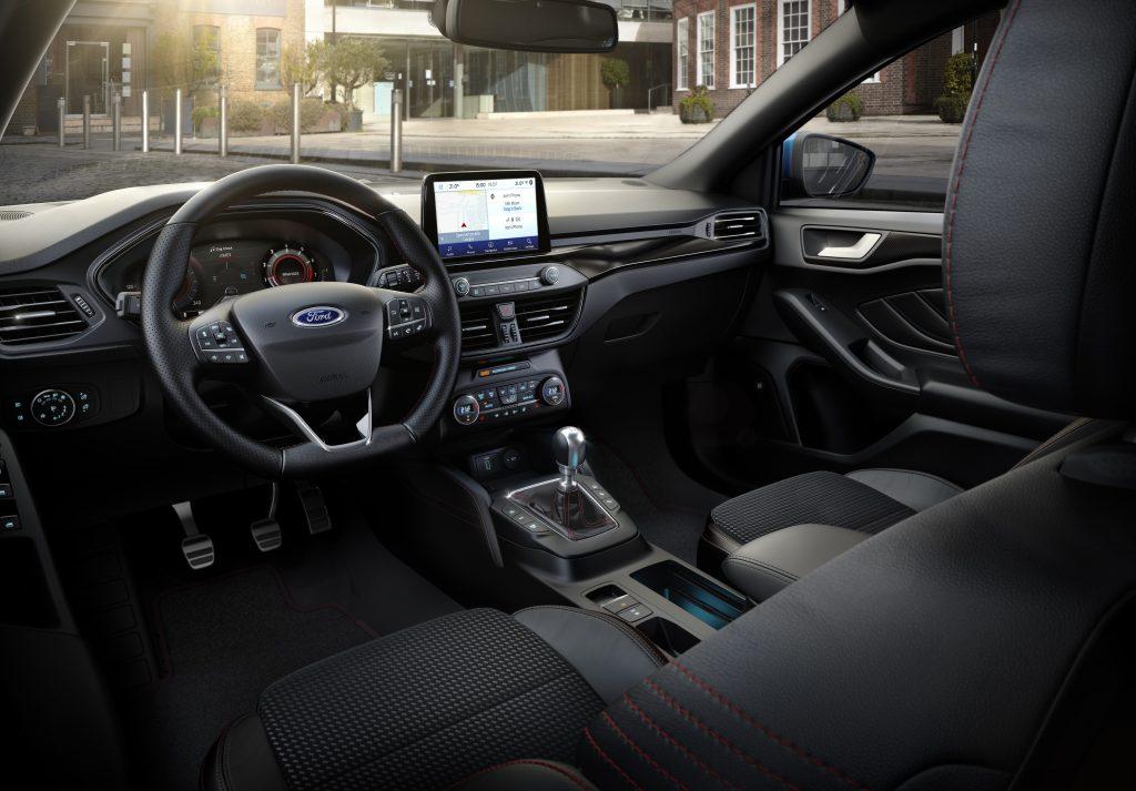Ford Focus Hybrid ST-Line X - Interno
