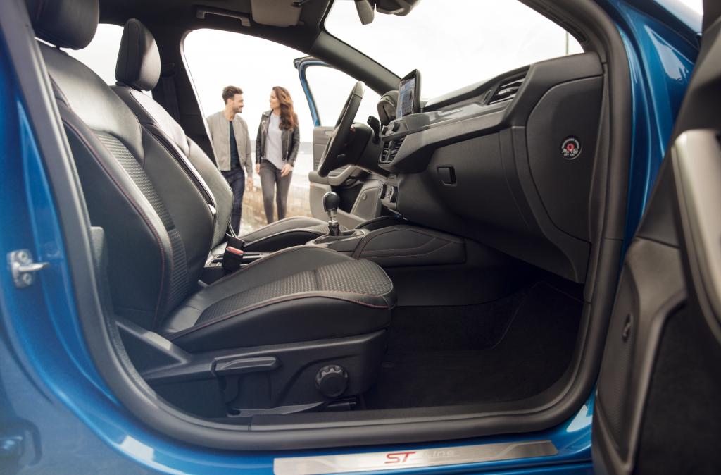 Ford Focus Hybrid ST-Line X - Sedili