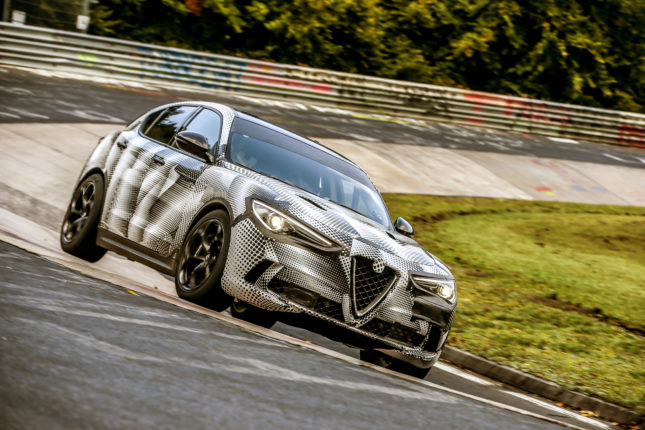 Alfa-Romeo Stelvio Quadrifoglio record Nurburgring